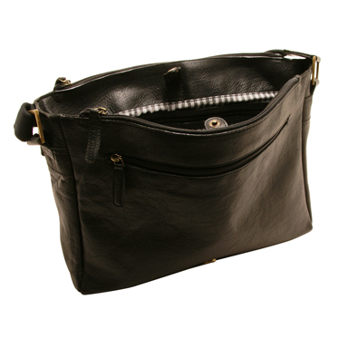 Ashwood – Black Pedro Messenger Laptop Compatible Bag in Cow Oily Leather