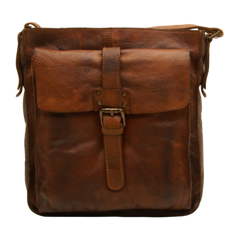 Ashwood – Tan Shoreditch Messenger Bag in Cowhide Leather