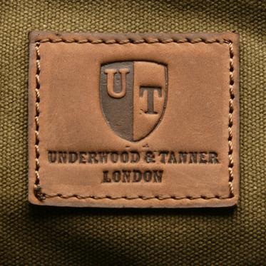 Underwood & Tanner – Olive Green Messenger/Body Bag in Canvas-Leather