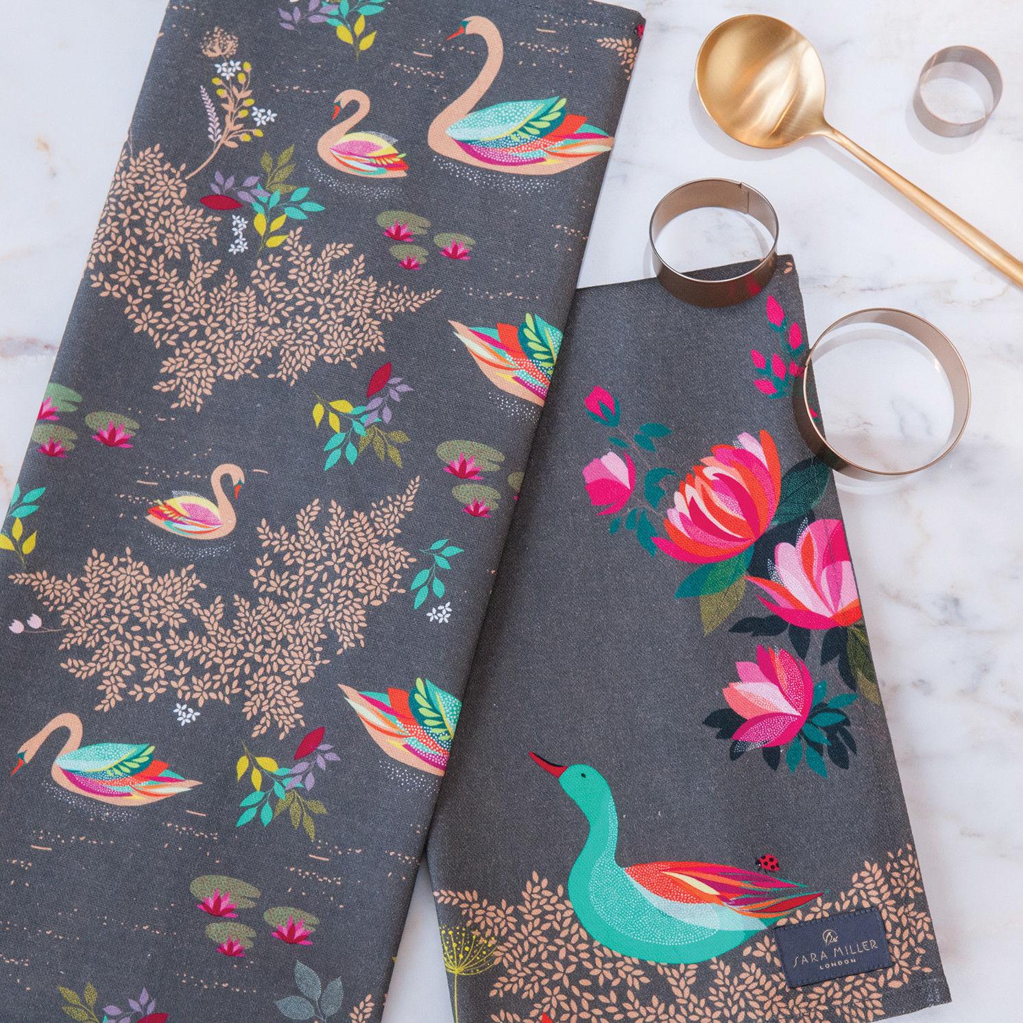 Sara Miller – Swan Repeat Apron in Presentation Gift Box