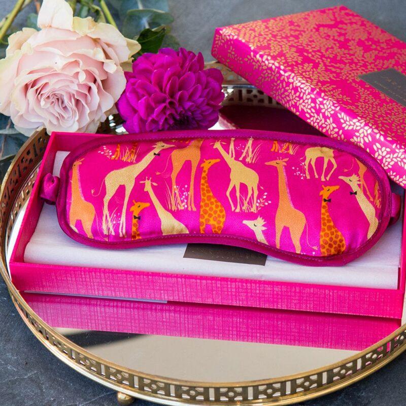 Sara Miller – Pink Giraffe Silk Eye Mask in Presentation Gift Box