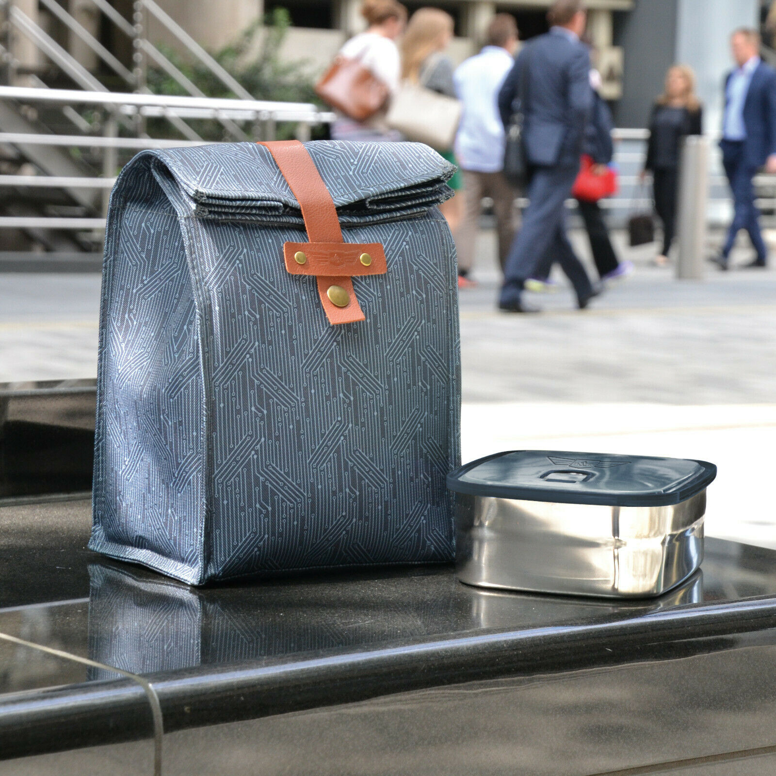 Beau Elliot – 'Circuit' Blue Insulated Lunch Bag & Matching Insulated Travel Mug