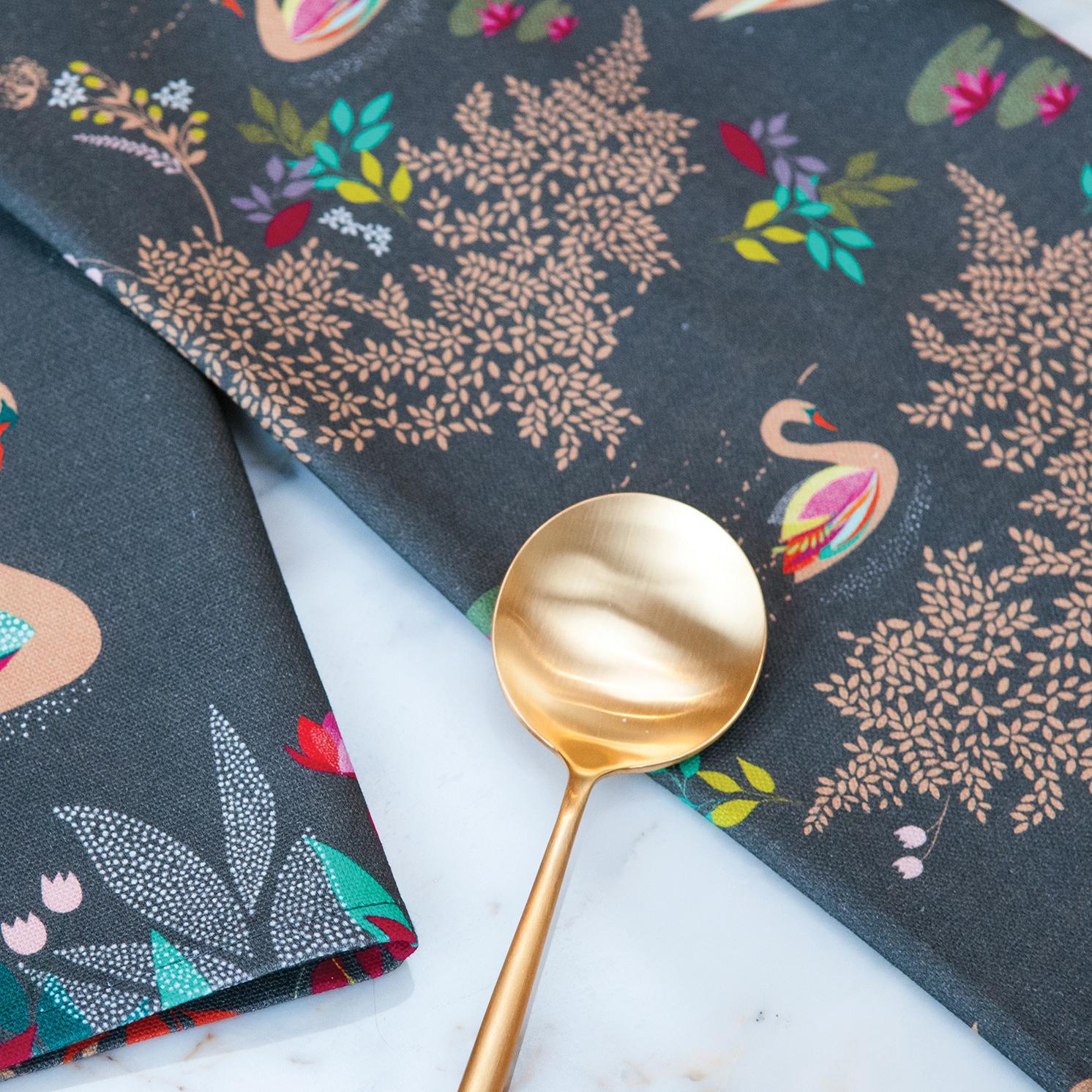 Sara Miller – Swan Repeat Tea Towel in Presentation Gift Box