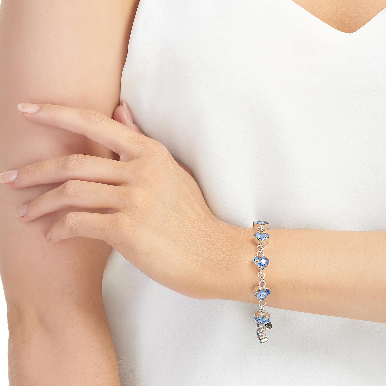 Shrieking Violet – Forget-me-not Silver Heart Charm Bracelet in Gift Box
