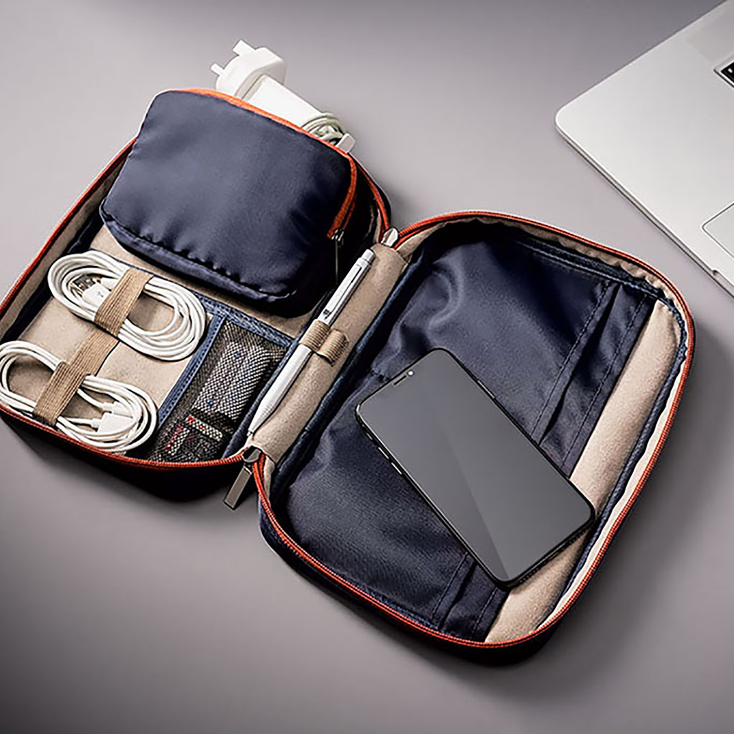 Gentlemen's Hardware – Blue Travel Tech Case