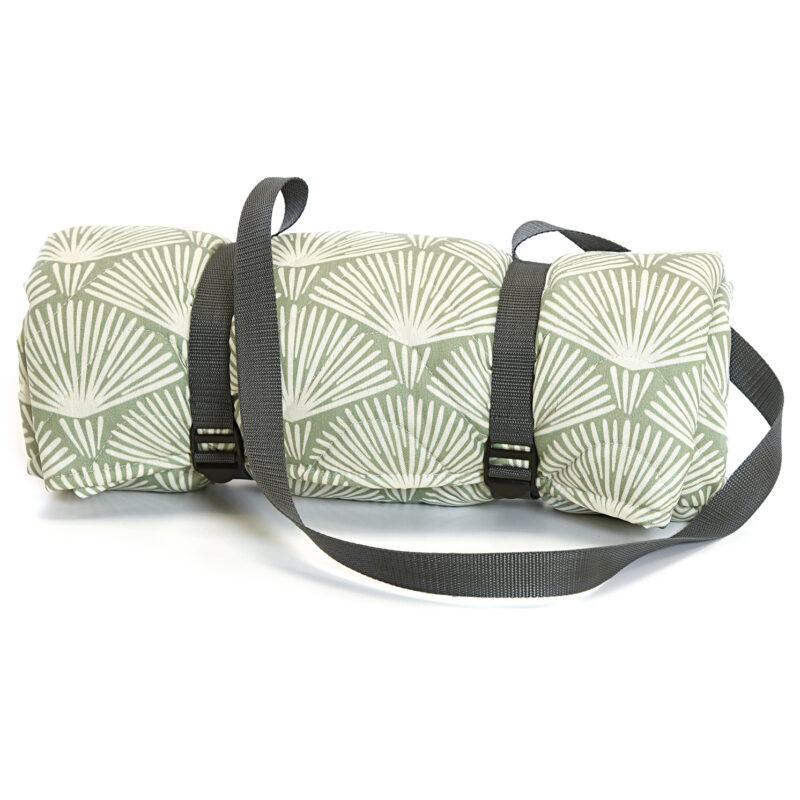 Tweedmill – Grey Palm Leaf Newbury Quilted Picnic Rug