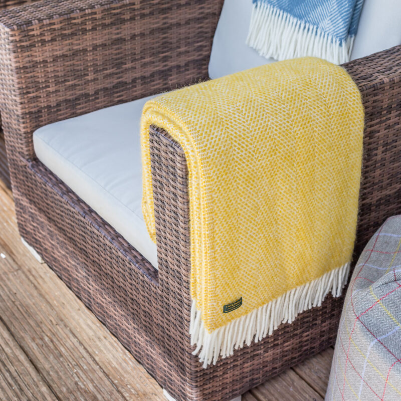 Tweedmill – Yellow Pure New Wool Beehive Throw